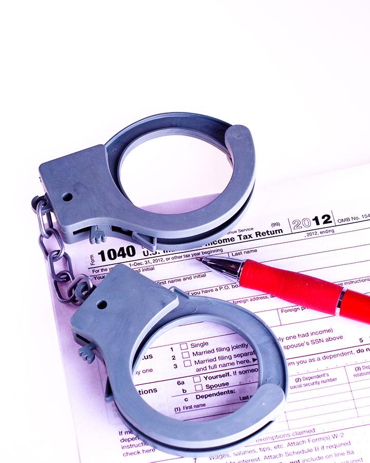 delitos hacienda fraude fiscal abogados